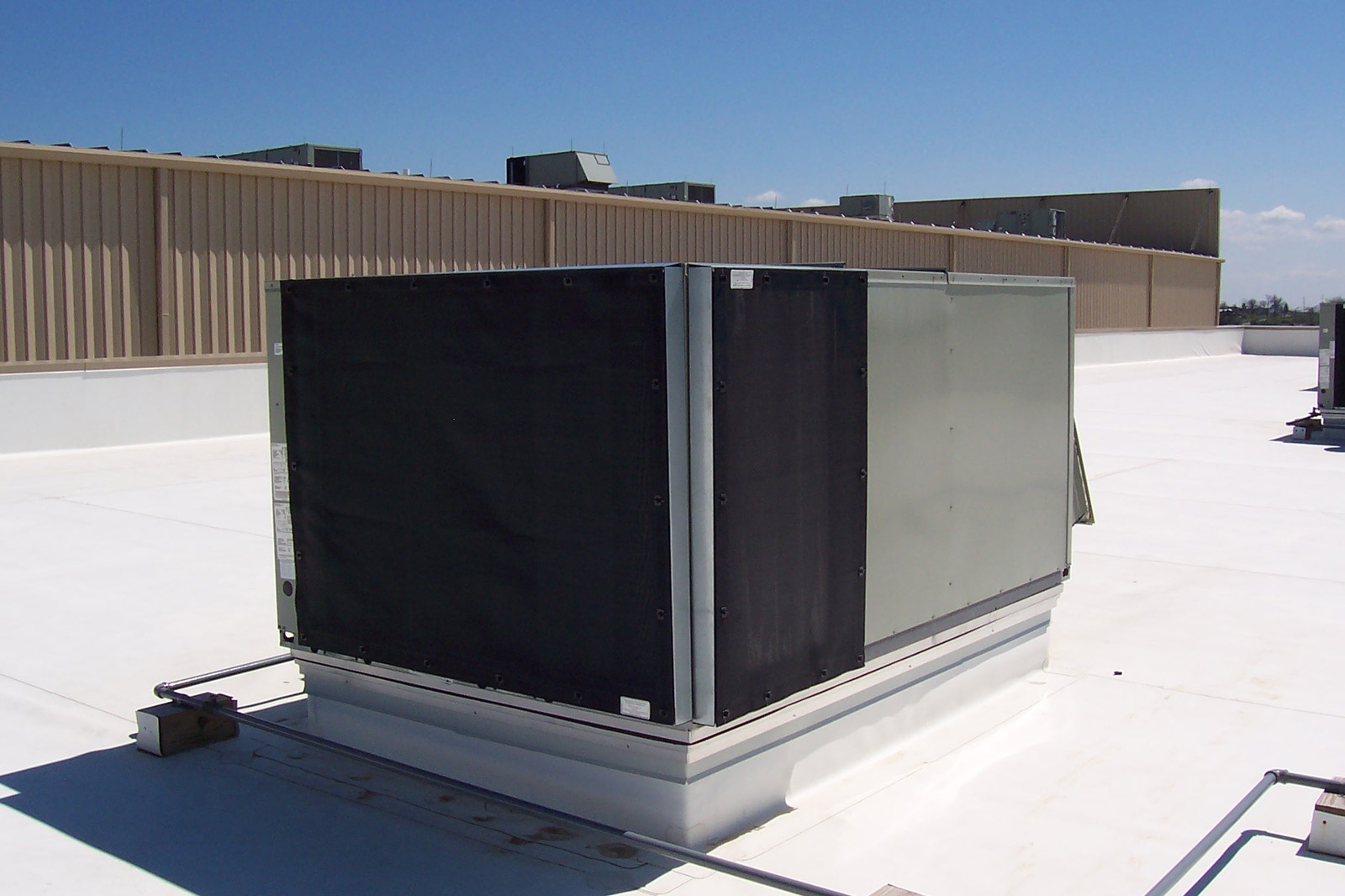 Commercial rooftop HVAC Unit